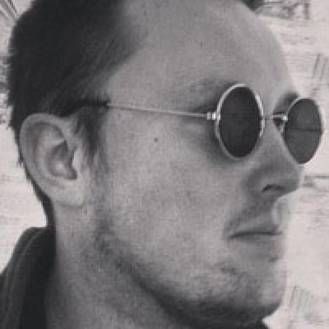 Роман Vangerson
